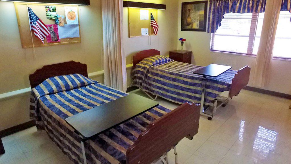 south-heritage-05-patient-bedroom-02-beds