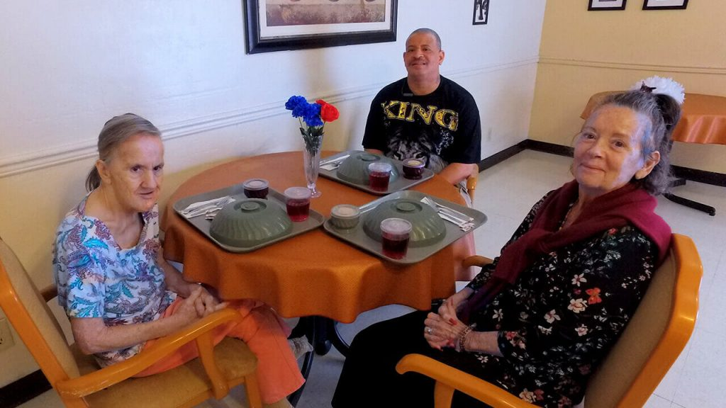 south-heritage-patients-having-dinner